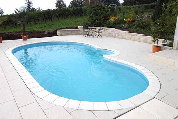 poolbau-poolfolie-hellblau