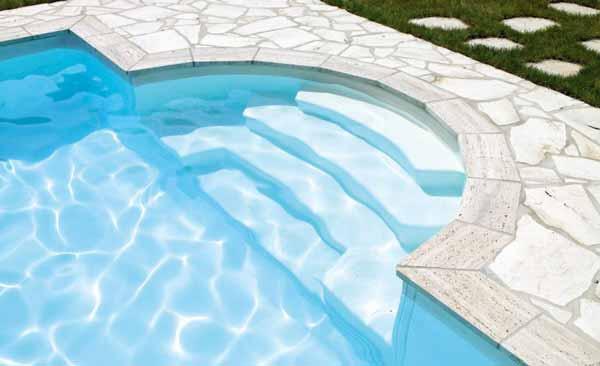 Poolbau Treppe Römisch